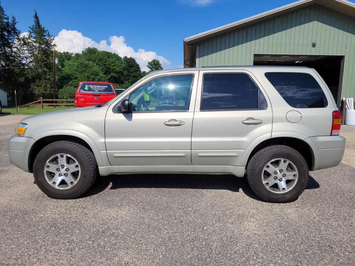 05 Ford Escape Limited – Sold!!!
